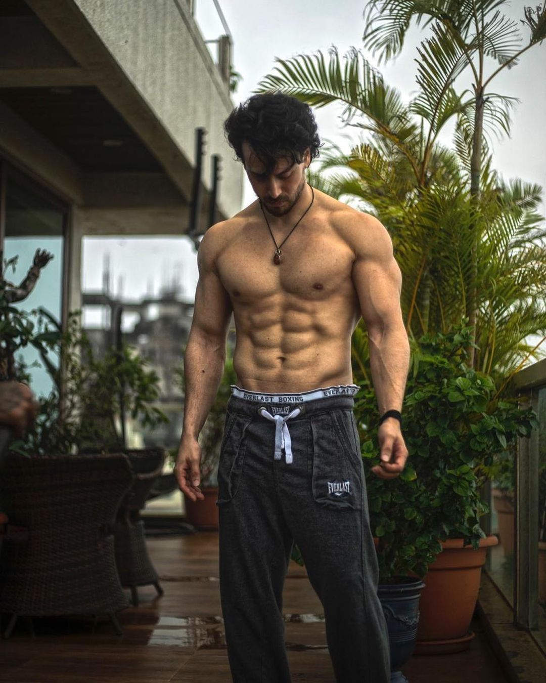 Action hero TIGER SHROFF lives in this luxurious house, see pictures of his sweet home Funny Jokes
