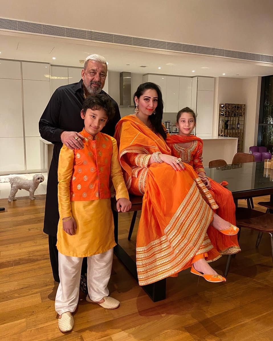 SANJAY DUTT spending time with family, special picture of share Funny Jokes