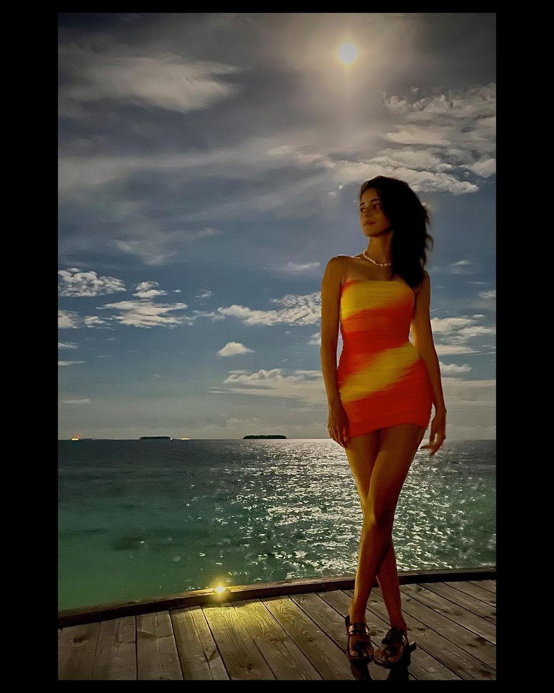 Ananya Pandey again shows bikini avatar on New Year's Day in Maldives, fans lose heart in bold style Funny Jokes
