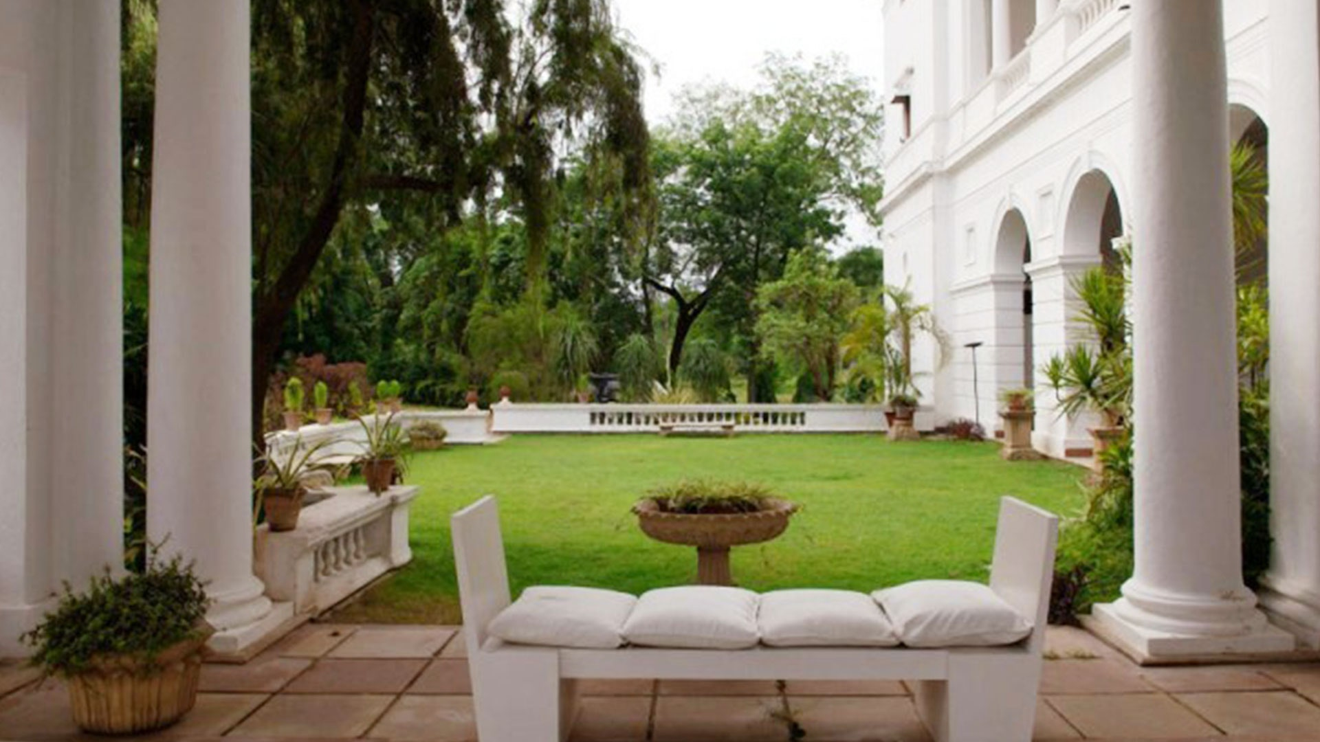 SAIF- KAREENA's 'Pataudi Palace' is no less than an elegant palace, eyes will be open seeing pictures Funny Jokes